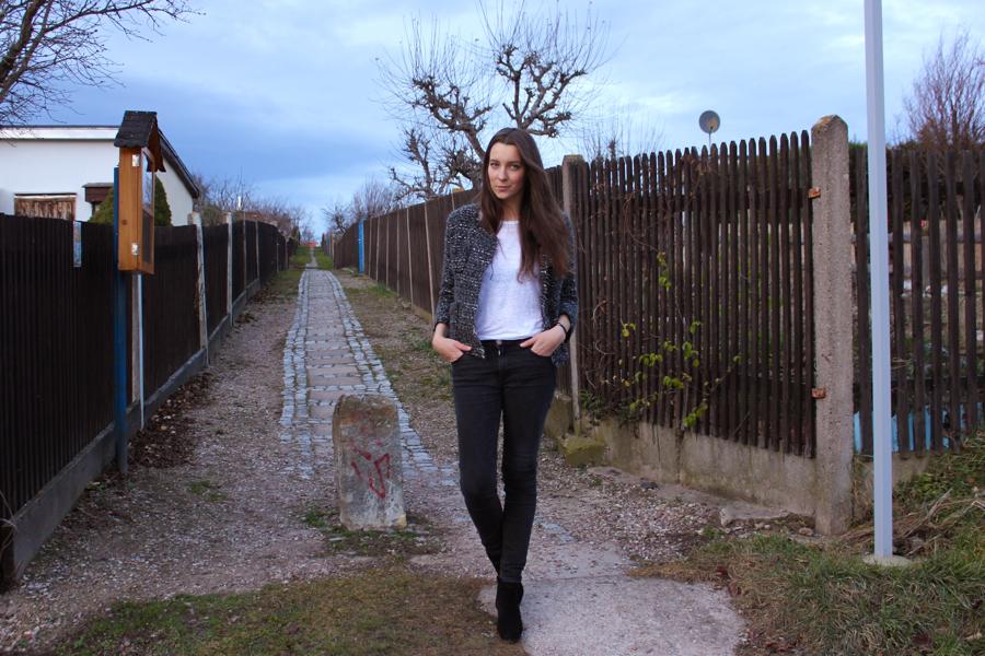 ari_traegt_xmas_tweed_isabelmarant_jacket_3