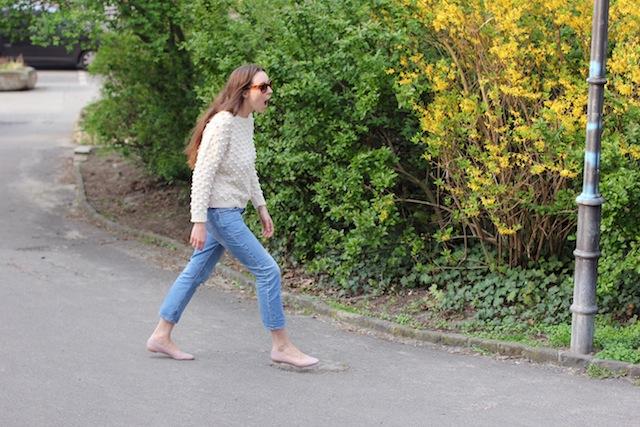 chloe_lauren_ballerinas_acnepop_betty_jeans