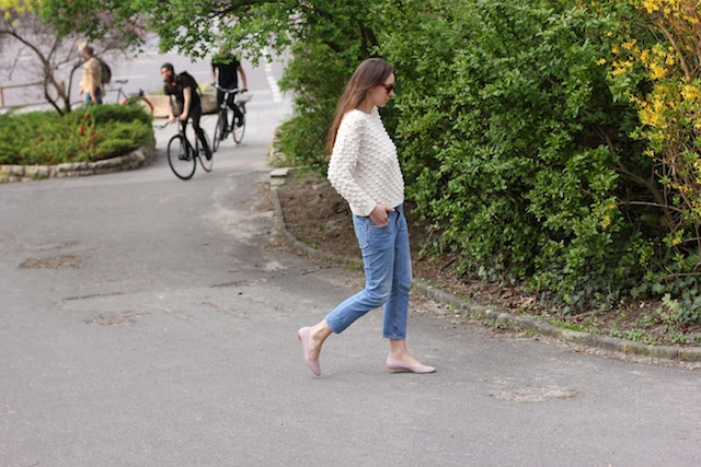 ganni_summer_knit_chloe_lauren_flats
