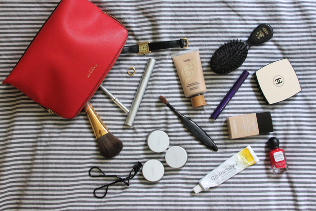 whats_in_my_beautybag_primerandlacquer