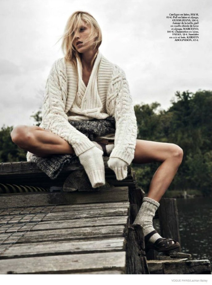 anja-rubik-cozy-knitwear01-687x924