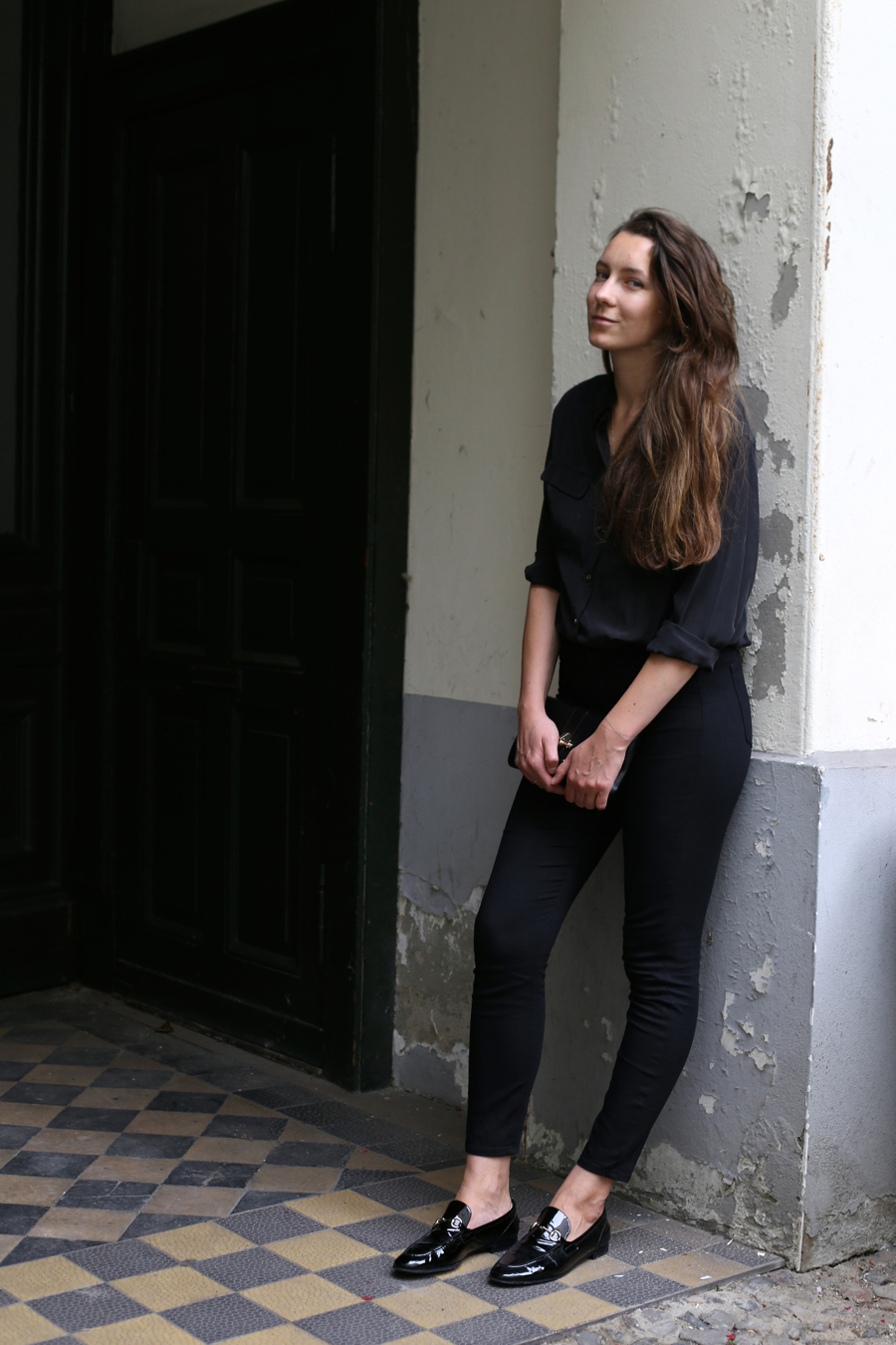 ari_traegt_selfnation_jeans
