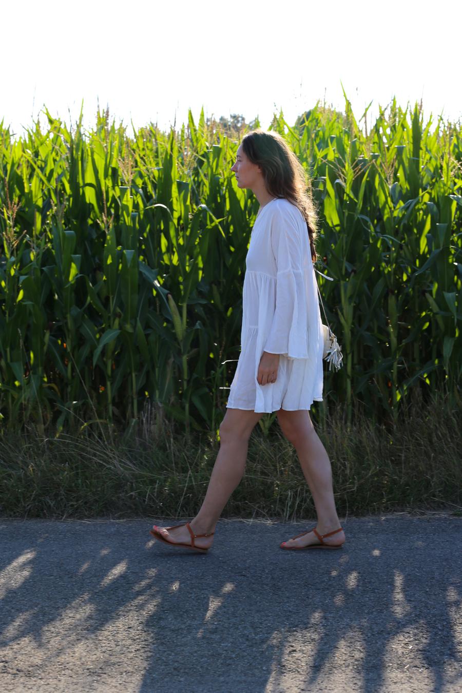 ari_traegt_white_edited_dress_gucci_sohobag10