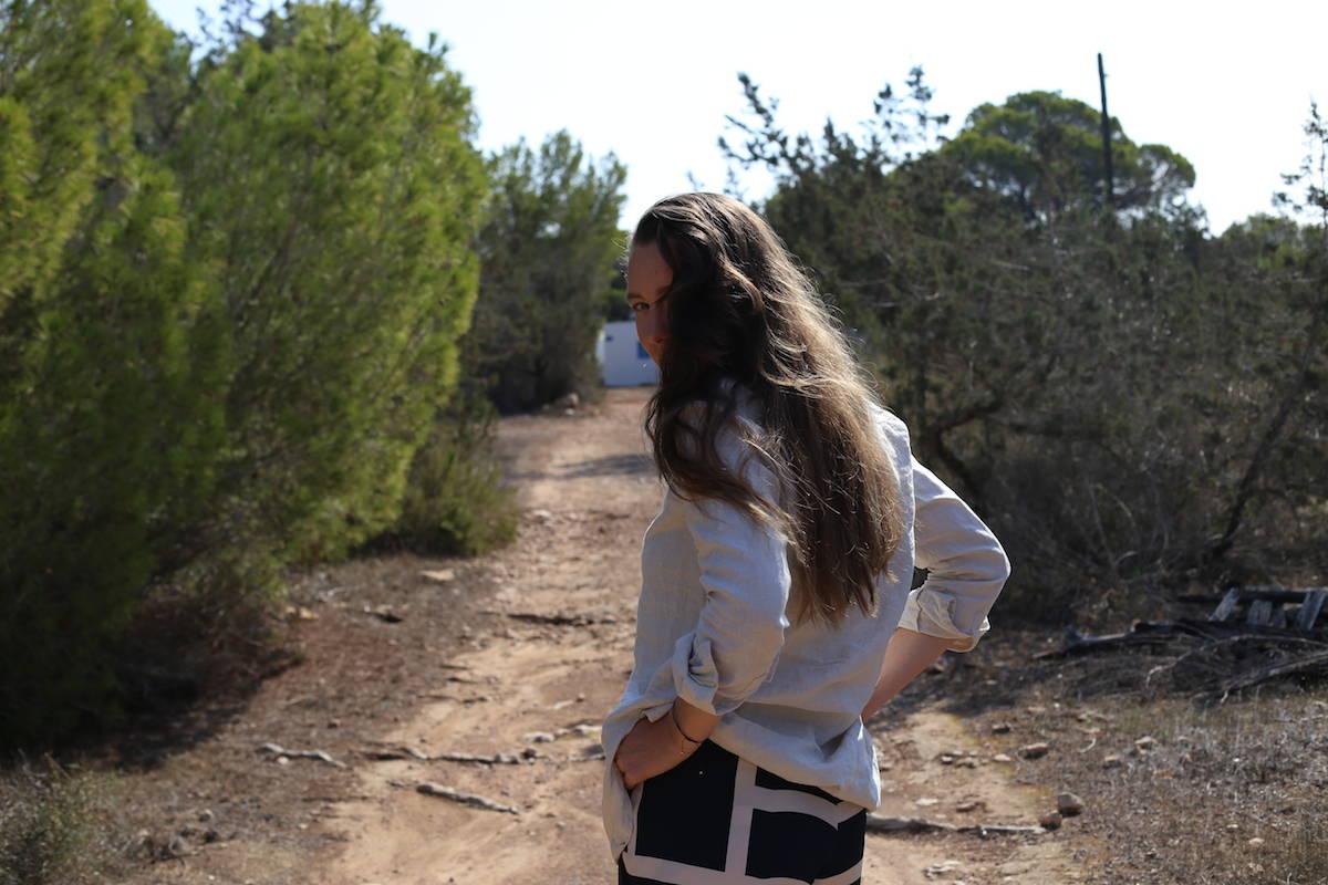ari_traegt_toteme_nyc_shorts3